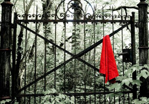 Das rote Tuch, Foto: Charlotte Fondraz